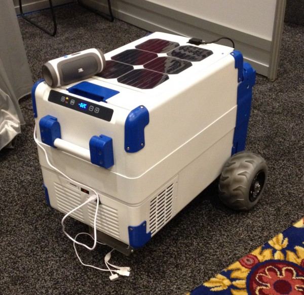 20140112195607-SolarCooler_at_CES_1