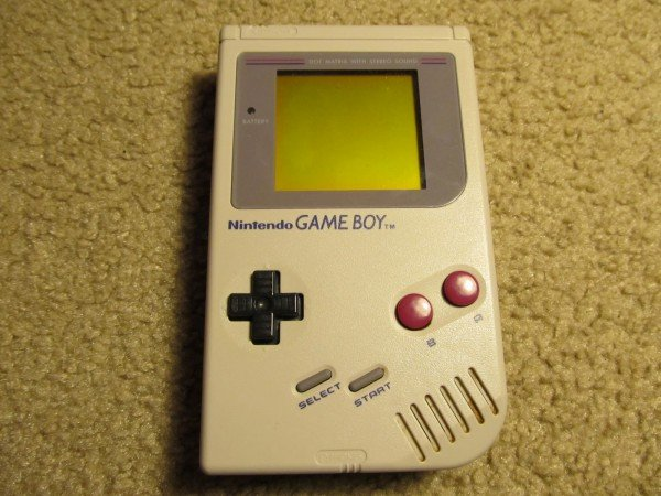 01 Original Game Boy Grey Front