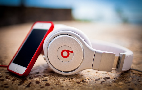 9207-673-Beats_by_Dre_iPhone_MJ_Rodriguez-Photography-l