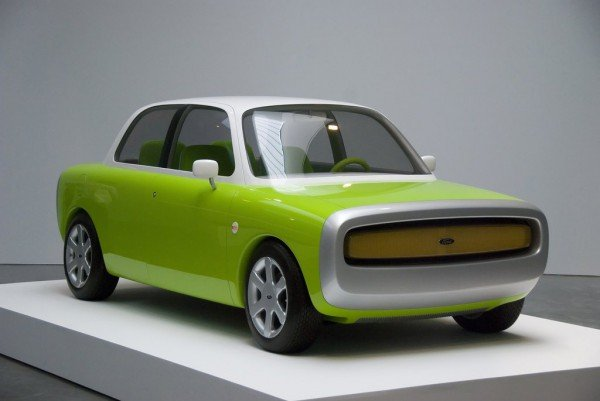 this-ford-concept-debuted-at-the-1999-tokyo-motor-show-we-dont-expect-a-car-from-apple-anytime-soon