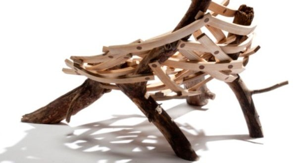 Nest-shaped-chair-made-of-Rough-Wood-600x330