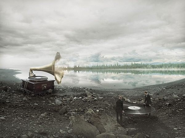 optical-illusions-photos-behind-the-scenes-surreal-eric-johansson-6