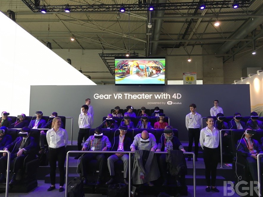 mwc-2016-samsung-gear-vr-4d-theater-hands-on-19