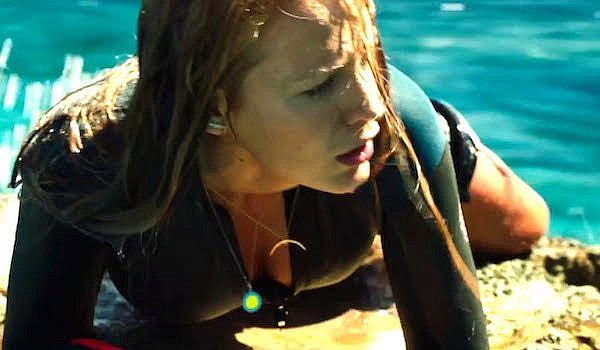 blake-lively-the-shallows-01-600x350