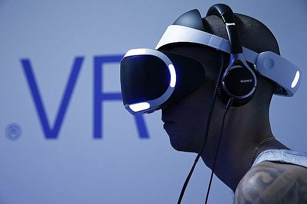 playstation-vr-and-a-ton-of-games
