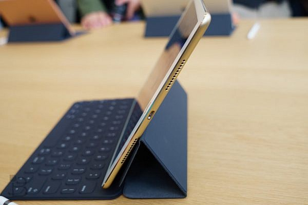 apple-ipad-pro-9-7-inch-13-1280x853