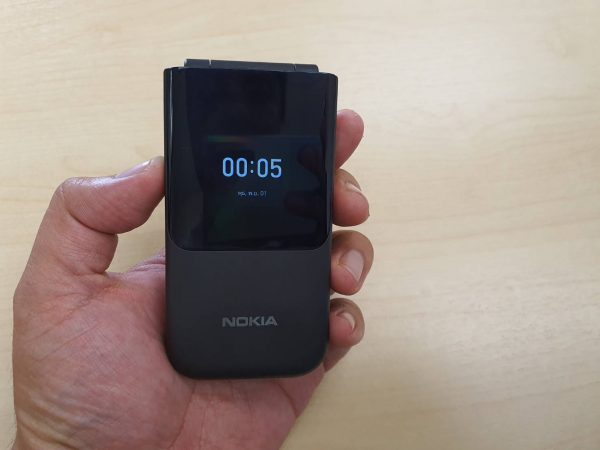 Nokia 2720 Flip second screen